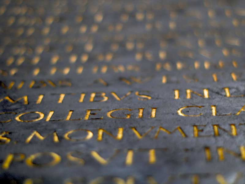Tipografía romanica