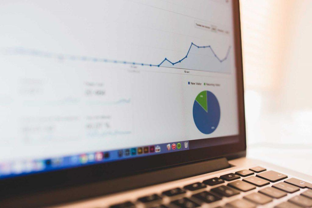 Imagen de visitas a una web. El Thin Content afecta negativamente al posicionamiento de tu página