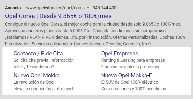 Anuncio de Google Ads con extensiones de enlace de sitio