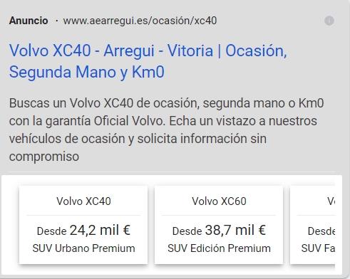 Anuncio de Google Ads con extensiones de extracto de sitio en dispositivo móvil