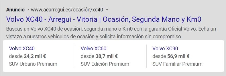 Anuncio de Google Ads con extensiones de extracto de sitio en ordenador